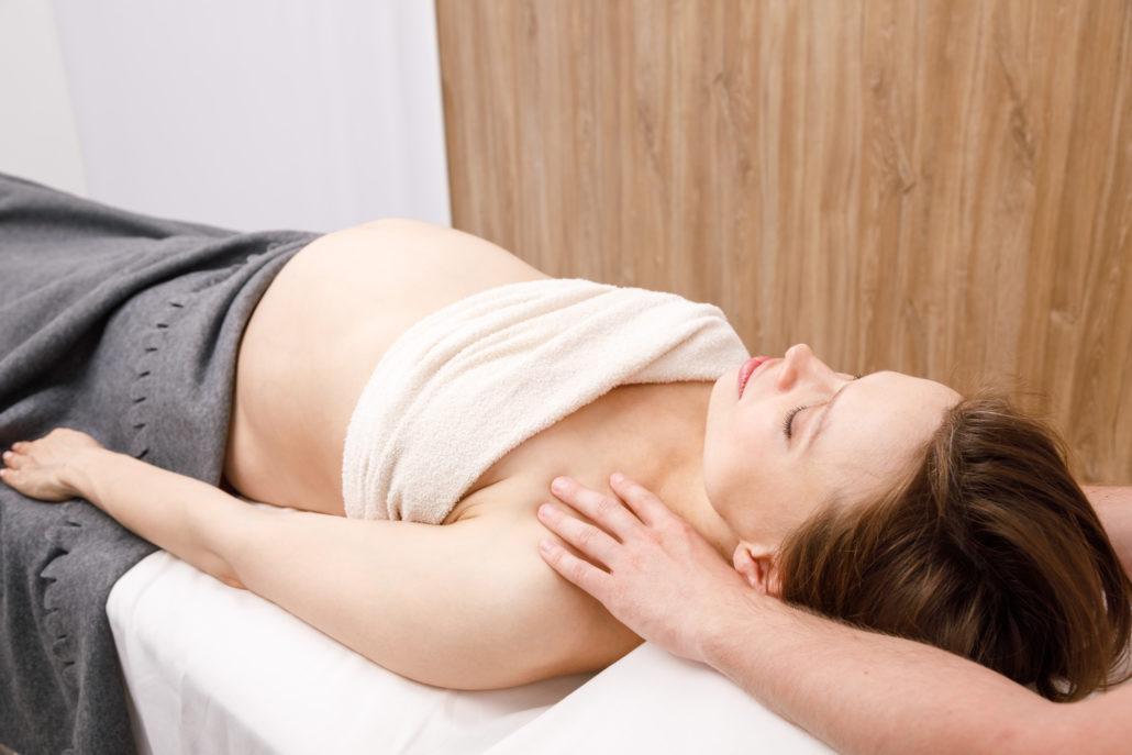Femme enceinte Ostéopathe Montreuil